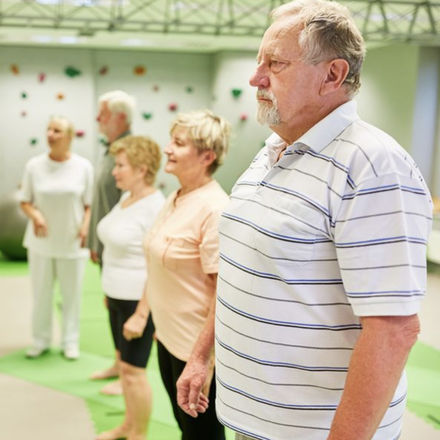 ¿Cómo mantenerse recto? Técnicas sencillas para mejorar tu postura corporal
