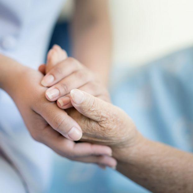 """Los geriatras advierten del """"menoscabo evidente"""" de la dignidad de los mayores en la pandemia"""