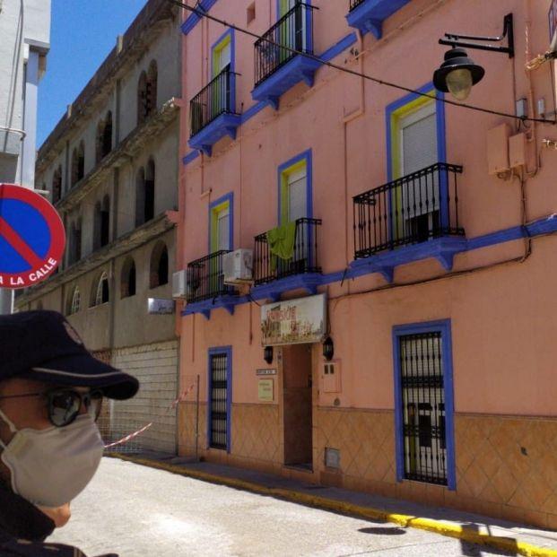 "Residente de la pensión de Algeciras (Cádiz) con contagios: ""Tenemos un poquito de miedo"""