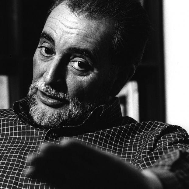El libro póstumo de Julio Anguita, 'Vivo como hablo', llega a las librerías en julio