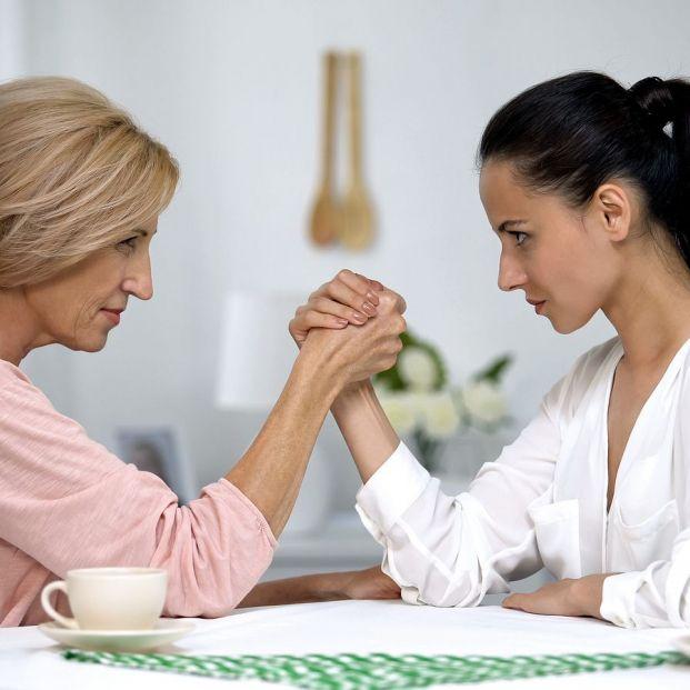¿Eres una madre controladora? Consejos para no convertirse en una