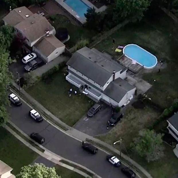 Mueren ahogados al abuelo, la madre y la hija de 8 años en una piscina: ninguno sabía nadar