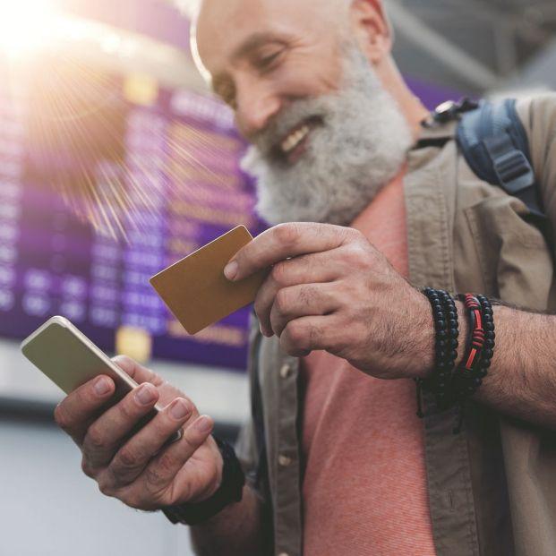 ¿Viajas habitualmente? Las mejores apps para descargar los billetes en tu móvil con Android (big stock )