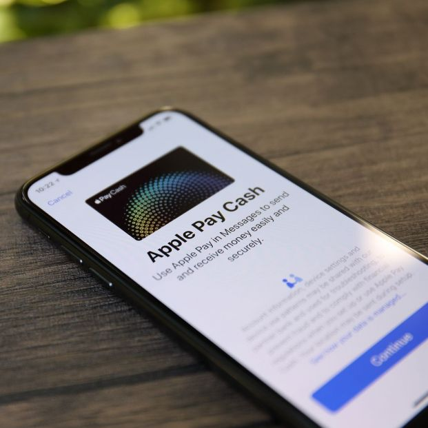 Conoce cómo puedes llevar todas las tarjetas de embarque en tu iPhone (big stock)