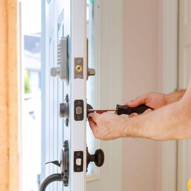 Cerraduras inteligentes, conoce la tecnología que vela por tu seguridad (big stock )