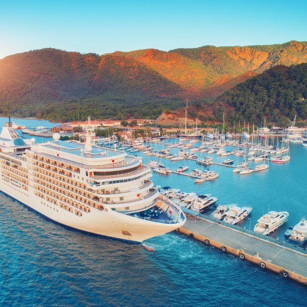 Vuelos, cruceros y restaurantes Michelin, la oferta turística española que más ha crecido