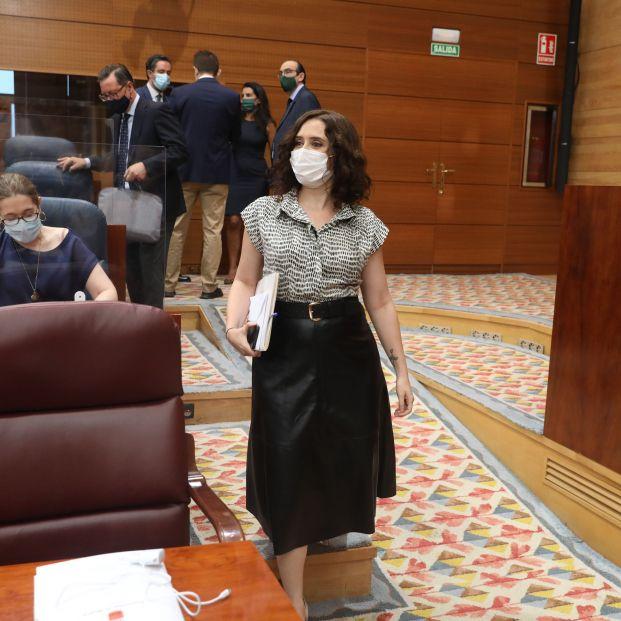 Asamblea de Madrid pide por unanimidad medicalizar residencias, contratar personal y test para todos