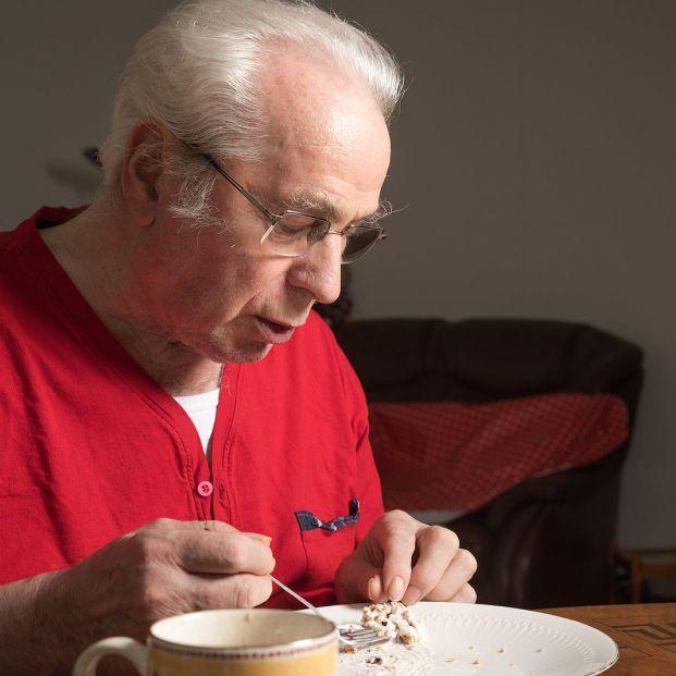 Los alimentos ultraprocesados triplican el riesgo de fragilidad en los mayores