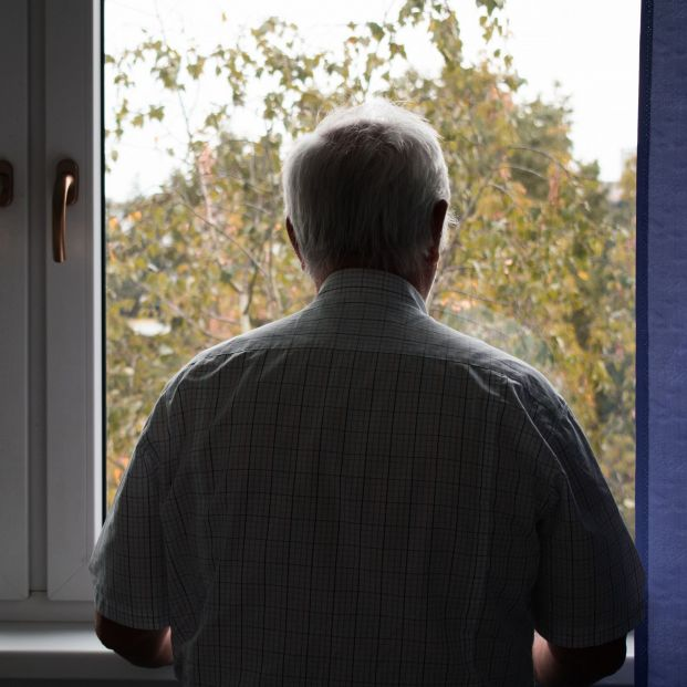 """El """"impacto emocional"""" del confinamiento en los mayores que viven solos"""