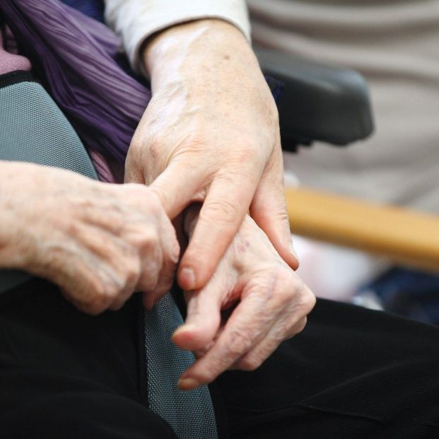 Los mayores podrán salir de las residencias de Aragón para estar con sus familias