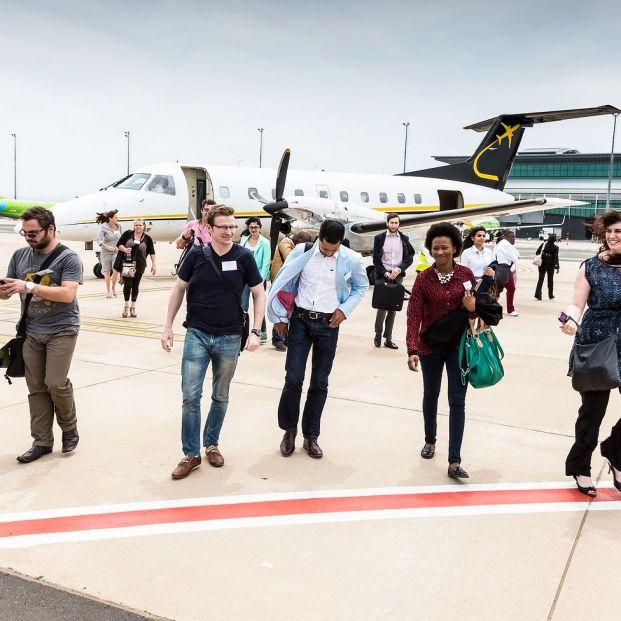 Prohibido ponerse en fila para subir al avión