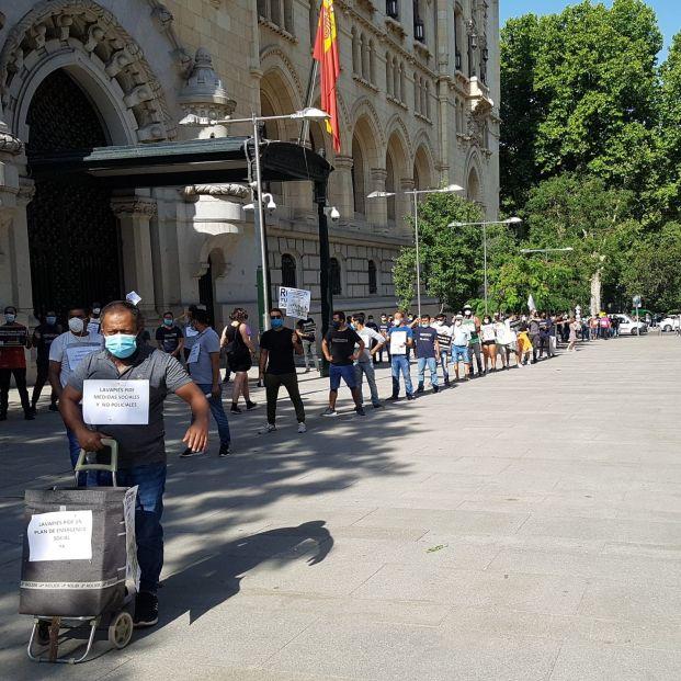 'Colas del hambre' exigen al Ayuntamiento de Madrid un plan de emergencia social
