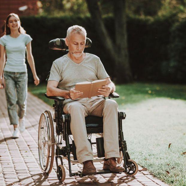 Qué hay que tener en cuenta al comprar una silla de ruedas