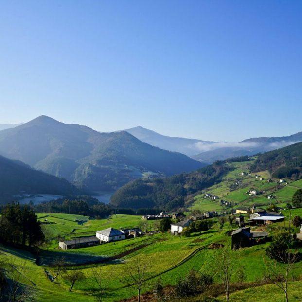 Ruta por el valle del Navia, en Asturias