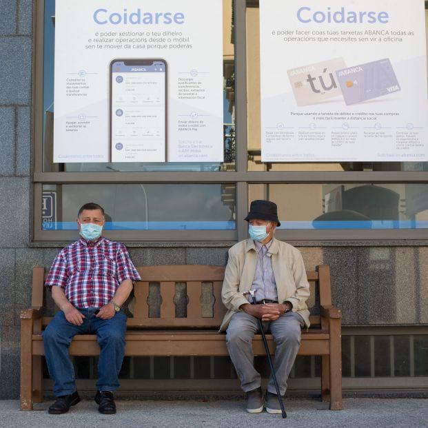 Galicia y País Vasco prohíben ir a votar a los contagiados de Covid-19