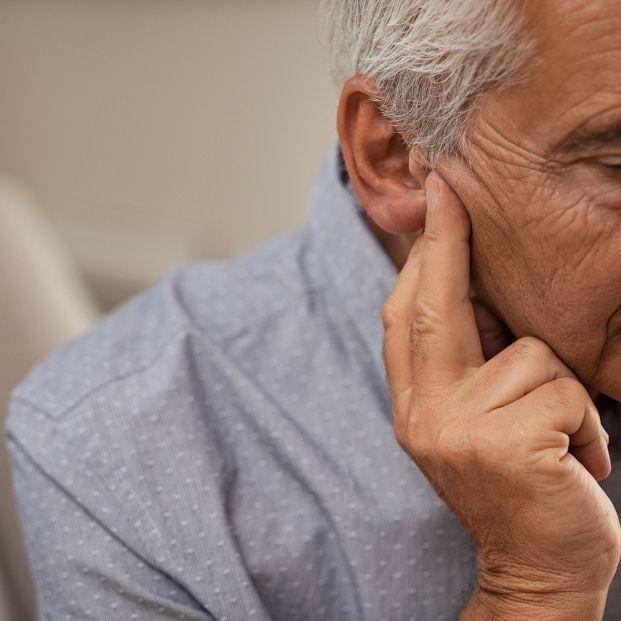 Causas de la pérdida auditiva relacionada con la edad