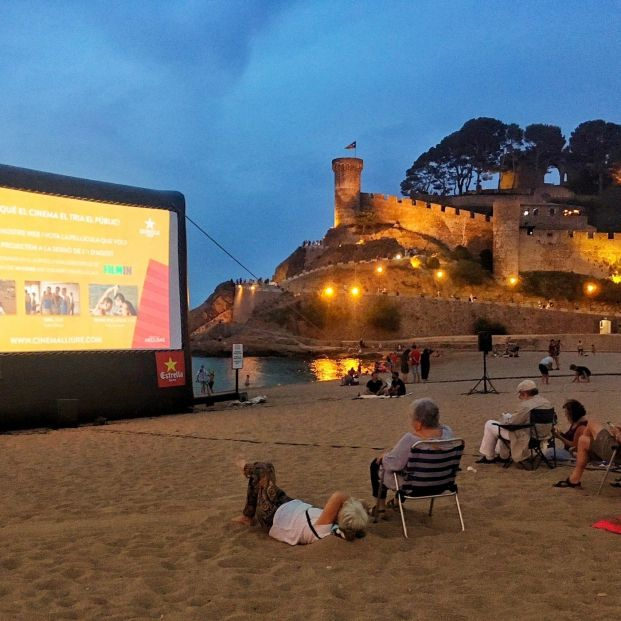 Vuelven las noches de cine en las playas de Cataluña