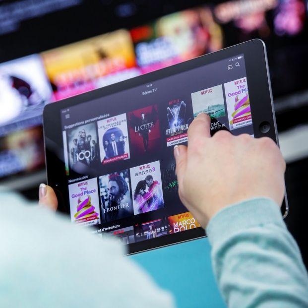 Accede al contenido de tu tablet en tu televisor siguiendo estos consejos (big stock)