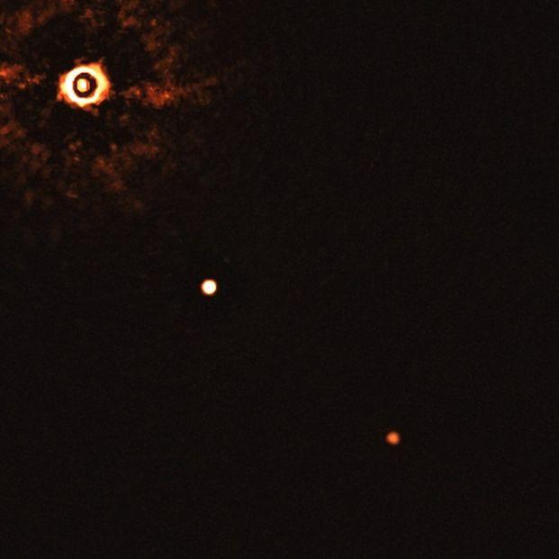 Primera imagen de un sistema con varios planetas alrededor de una estrella de tipo solar