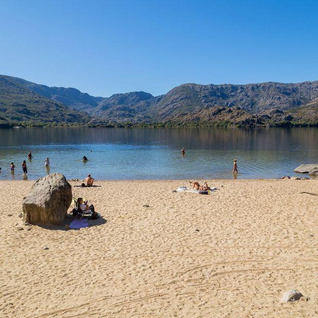 Los riesgos de bañarte en lagos y lagunas