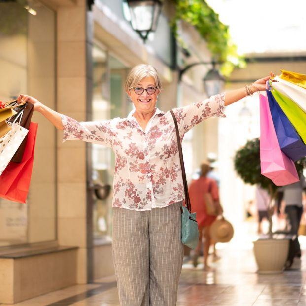"""El final feliz de una tarjeta de crédito """"gratis de por vida"""" que costó 45.092 € a una clienta"""