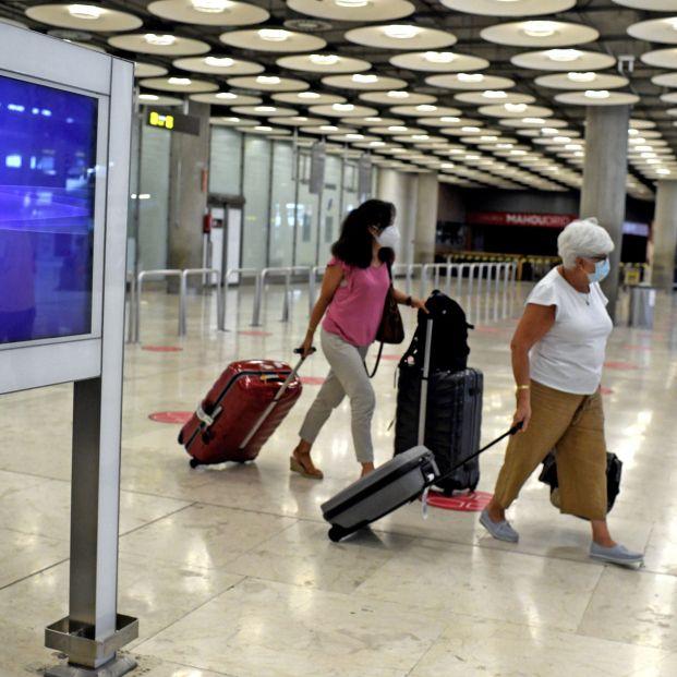 El Gobierno prohíbe la entrada de pasajeros procedentes de Reino Unido, salvo españoles y residentes