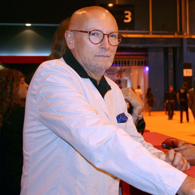 Muere el periodista Carlos García-Calvo, experto en moda y cronista de la Reina