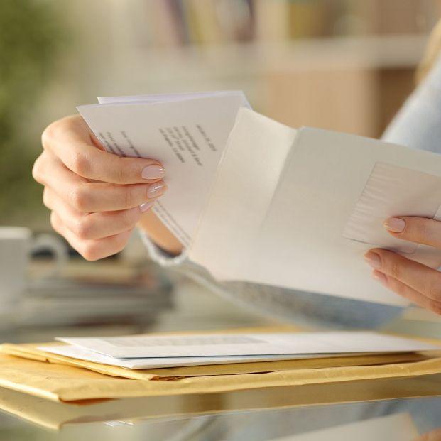 ¿Qué gastos de correo puede cobrarme el banco?