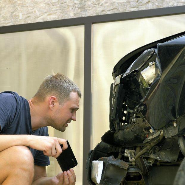 Qué hacer cuando nos dan un golpe en el coche y no sabemos quién ha sido. Foto: Bigstock