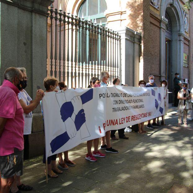 Marea de Residencias presentará una querella contra tres consejeros de la Comunidad de Madrid