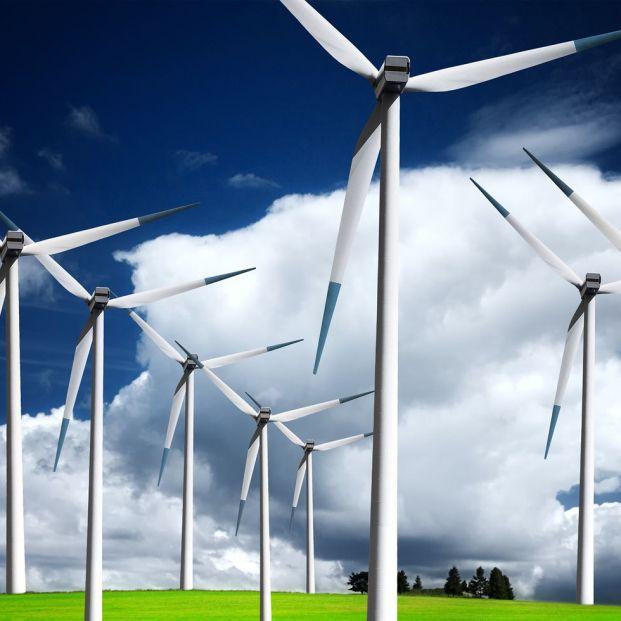 Transición energética, hacía un nuevo escenario protagonizado por las renovables (big stock)