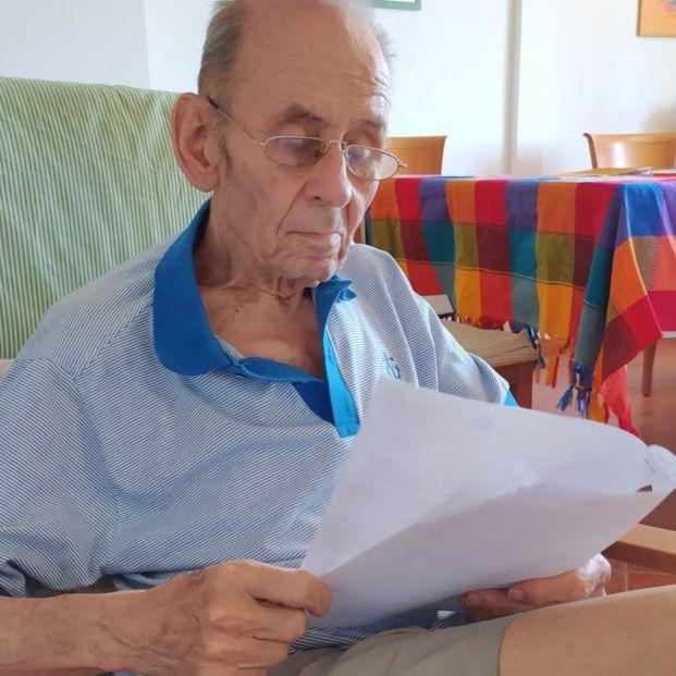 El autor de 'Fray Perico y su borrico', a sus 91 años, convertido en estrella de Twitter
