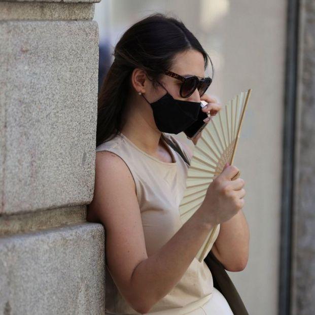 Los médicos advierten de que no se debe usar la mascarilla más de una hora sin descanso