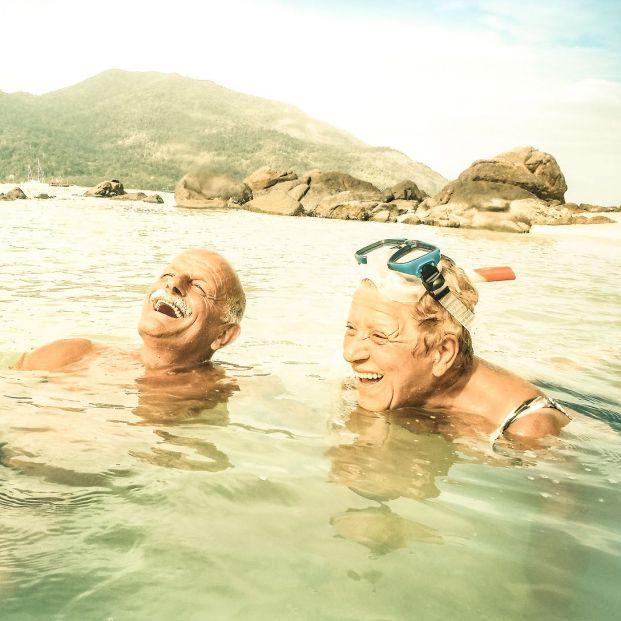 Beneficios de la playa y el mar para la salud de los mayores