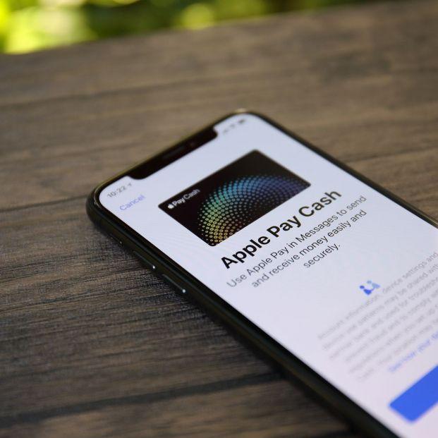 Configurar tu móvil para poder pagar con él es más sencillo de lo que parece (Big stock)
