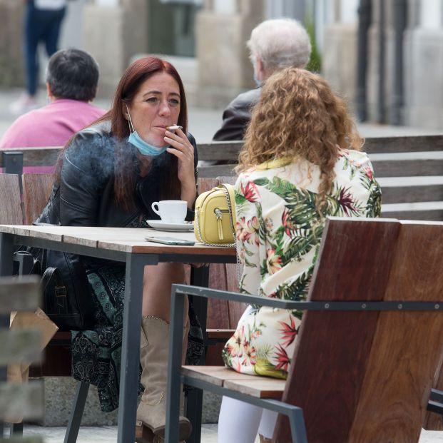 Galicia y Canarias prohíben fumar en espacio públicos y ocho comunidades lo están estudiando
