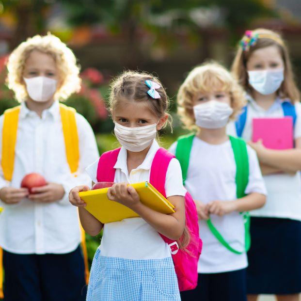 Expertos calculan que meter a 20 niños en un aula implica más de 800 contactos cruzados en dos días