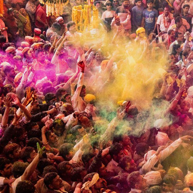 Festival Holi para recibir a la primavera en la India (bigstock)