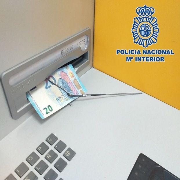 Esta es la nueva técnica para robar cajeros automáticos que ha detectado la Policía