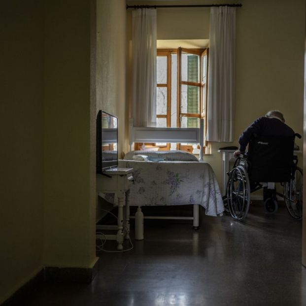 Madrid implicará a los vecinos de los barrios en la detección de mayores que sufren de soledad