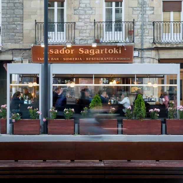 Los hosteleros homenajean al cocinero del restaurante Sag...