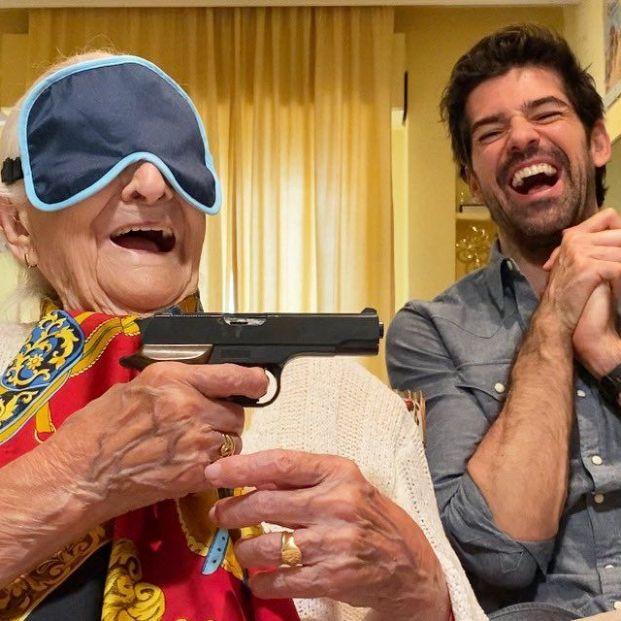 Miguel Ángel Muñoz debuta como director con un documental sobre su tíabuela de 95 años