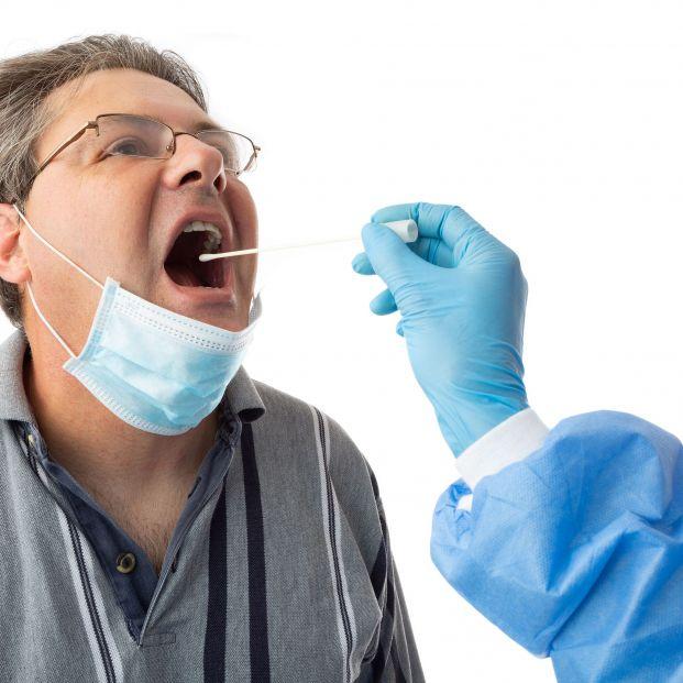 La PCR en saliva destaca por la comodidad de la extracción