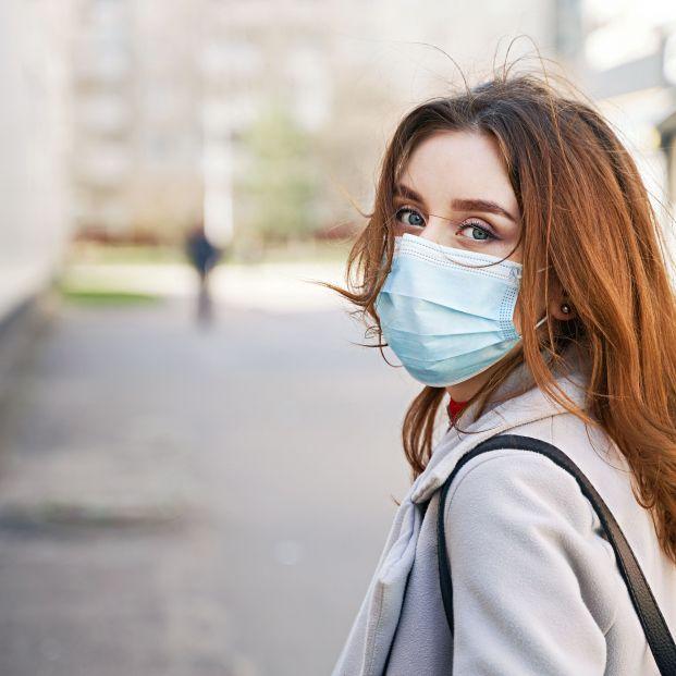 Las mujeres jóvenes son el grupo de población que más se contagia de coronavirus actualmente