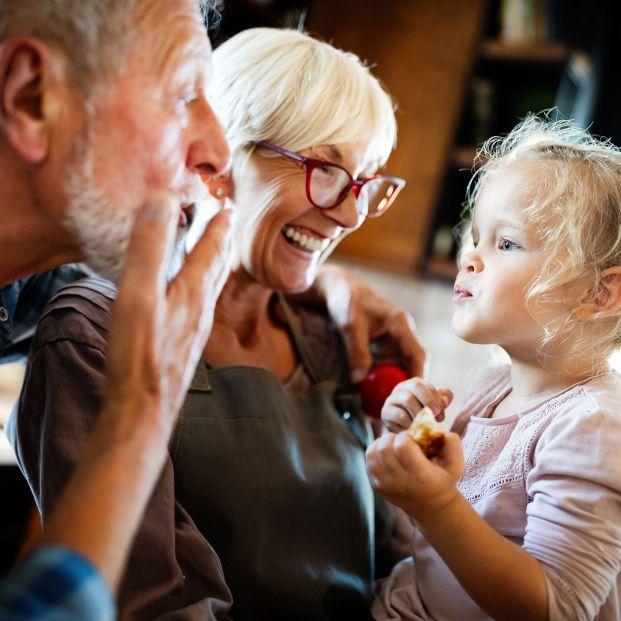Los abuelos vuelven a estar en primera línea de contagio por la vuelta al cole
