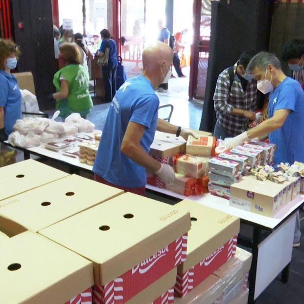 Multan a un restaurante por repartir comida a vulnerables