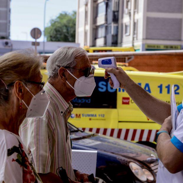 Almeida anima a no salir en los barrios del sur de Madrid