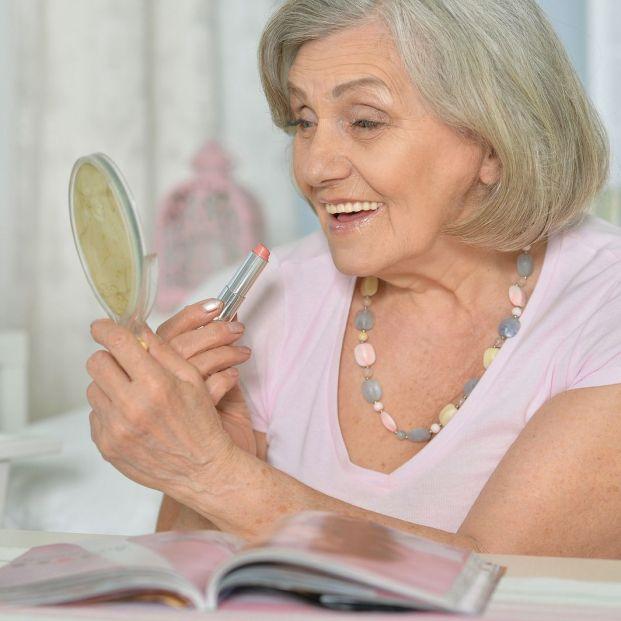 Consejos para maquillarte si tienes más de 50 años (Bigstock)