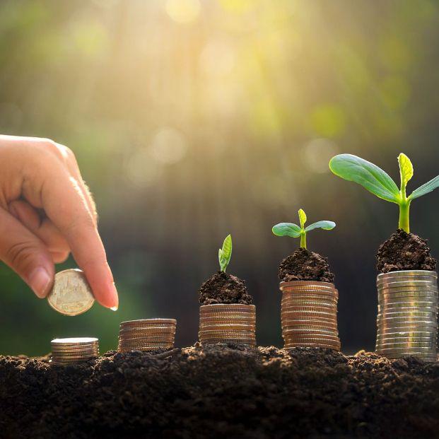 ¿Qué es mejor invertir o abrir un plan de pensiones? Diferencias y beneficios