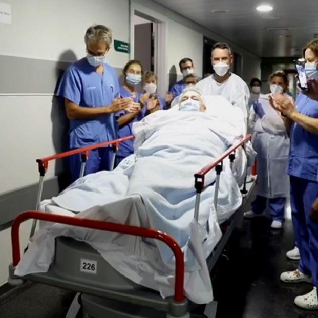 Pasa a planta Manuel, de 64 años, el paciente con Covid que más tiempo ha pasado en la UCI: 159 días